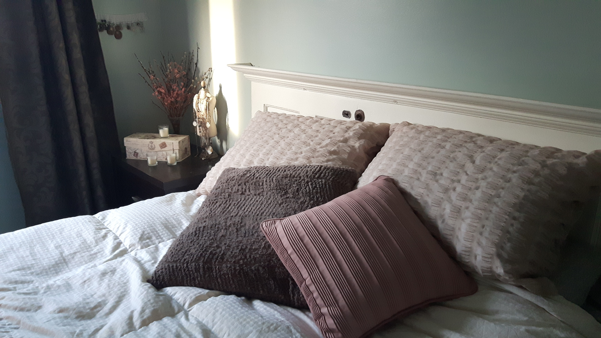 5 Things You Can Do to Make Your Bedroom a Relaxing Haven