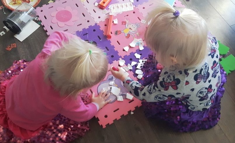 10 Indoor Activities for Entertaining Toddlers During Winter